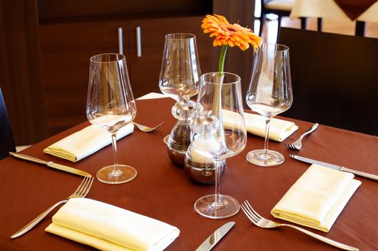 Restaurant The Brantham Bull : restaurant table from www.thebranthambull.com size 548 x 365 jpeg 106kB